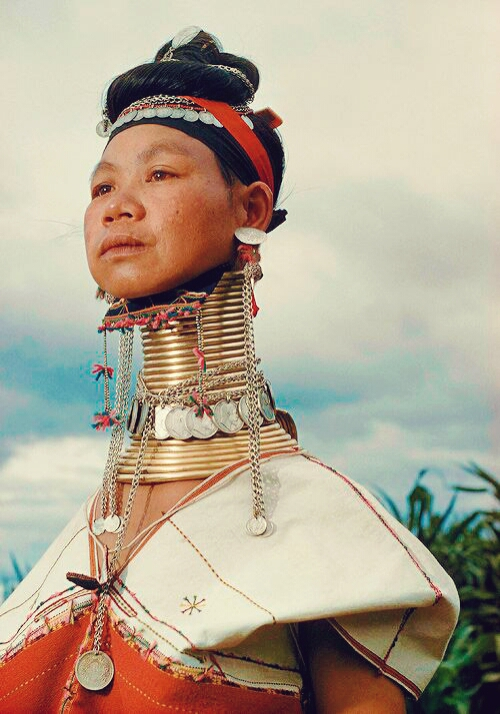 Karen people of the golden triangle - girl gone authentic - the people of the golden trianglePeople of the golden triangle - Long neck tribe
