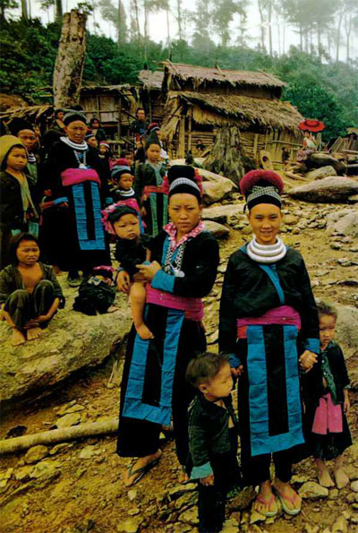 hmong tribe - girl gone authentic - people of the golden triangle