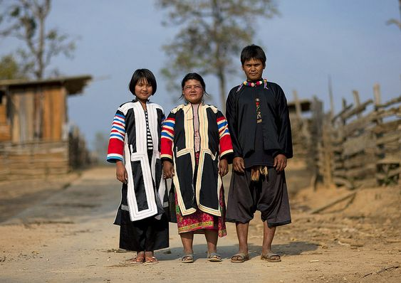 Lahu tribe people - girl gone authentic - people of the golden triangle
