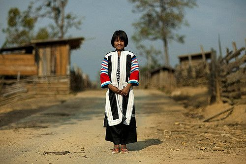 Lahu tribe girl - girl gone authentic - people of the golden triangle