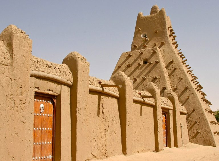 Mud architecture - Djenne, Mali, girl gone authentic