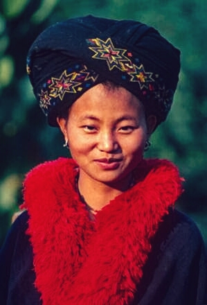 Mien Yao girl - girl gone authentic - the people