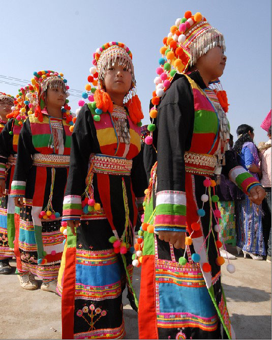 Lisu tribe women - girl gone authentic - people of the golden triangle